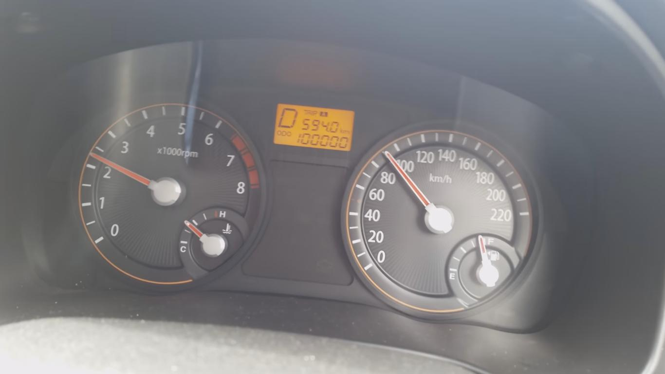 This Guy Is Way over Excited to Pass 100,000 Km with His Car