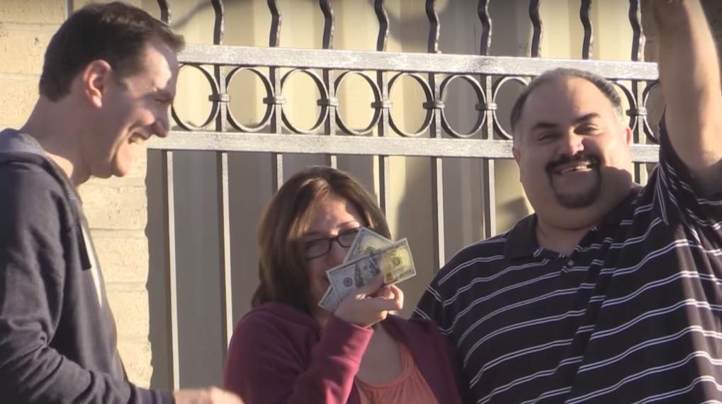Guy Gives $100 Bills To People Who Are Friendly to Him