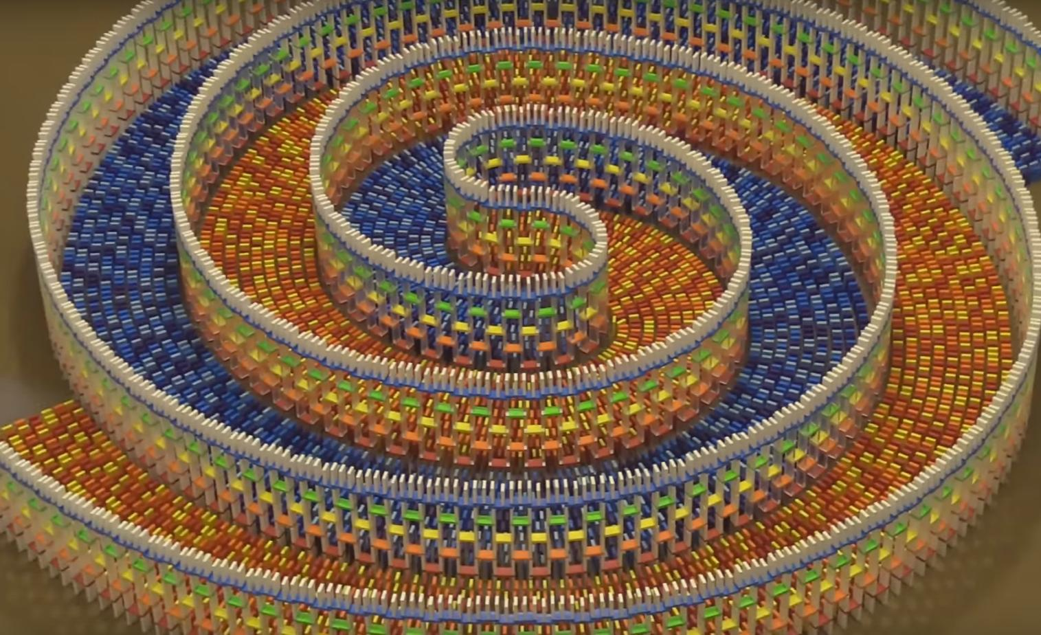 15,000 Dominoes in an Amazing Triple Spiral Structure