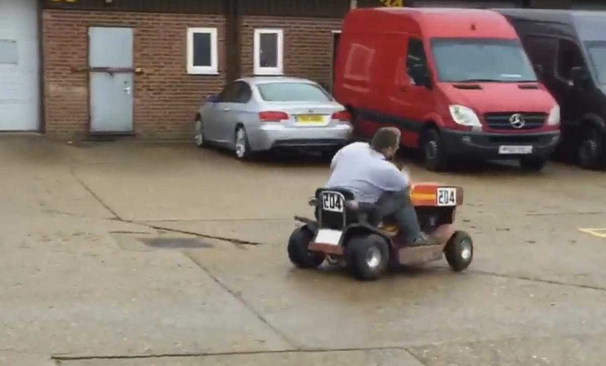 Guy Drifts With Its Lawnmower in a Parking Lot